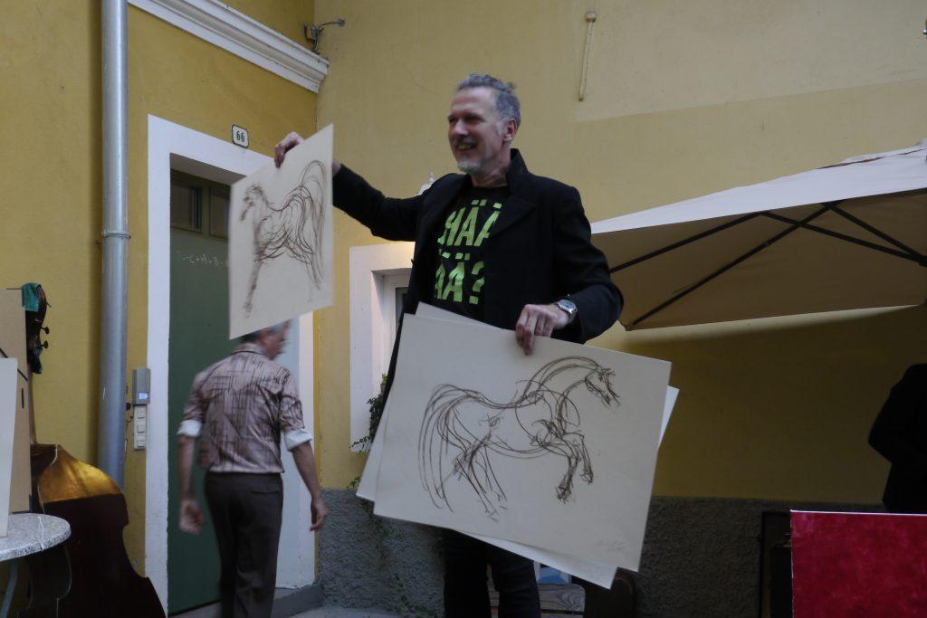 """Vertseigerung Zeichnungen Hans Hiesberger """"Pferde"""". Dražba risb Hansa Hiesbergerja """"Konji""""."""